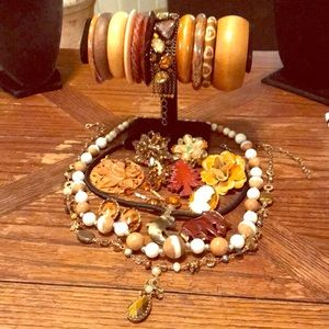 Lot of earth tone vintage to newer jewelry